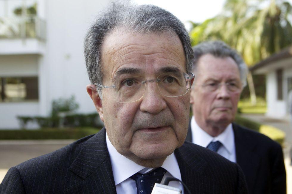 Il Pd lancia Prodi contro il Pdl