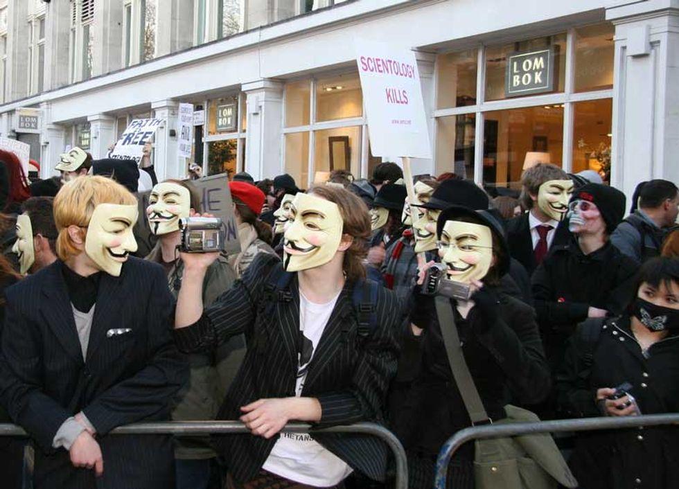 Gli Anonymous sono buoni o cattivi?