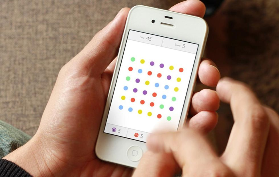 Dots, il nuovo Ruzzle che usa i colori al posto delle lettere