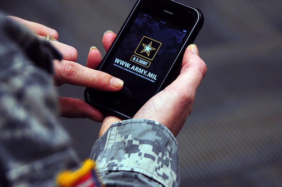 Il Pentagono apre a Samsung e Apple (e agli hacker)