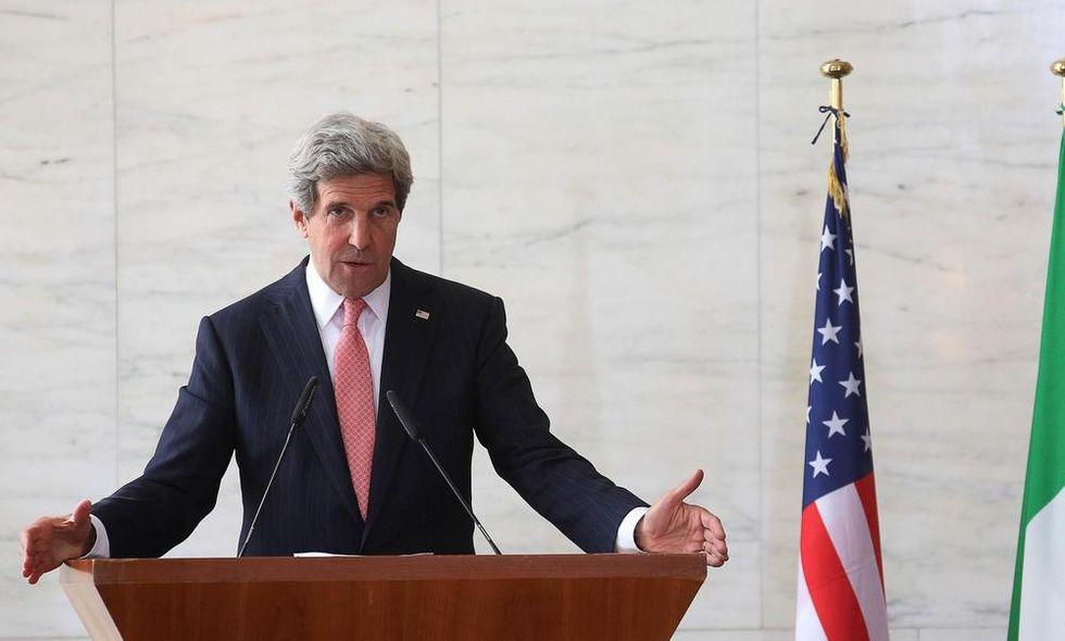 Hillary addio, Kerry cambia stile