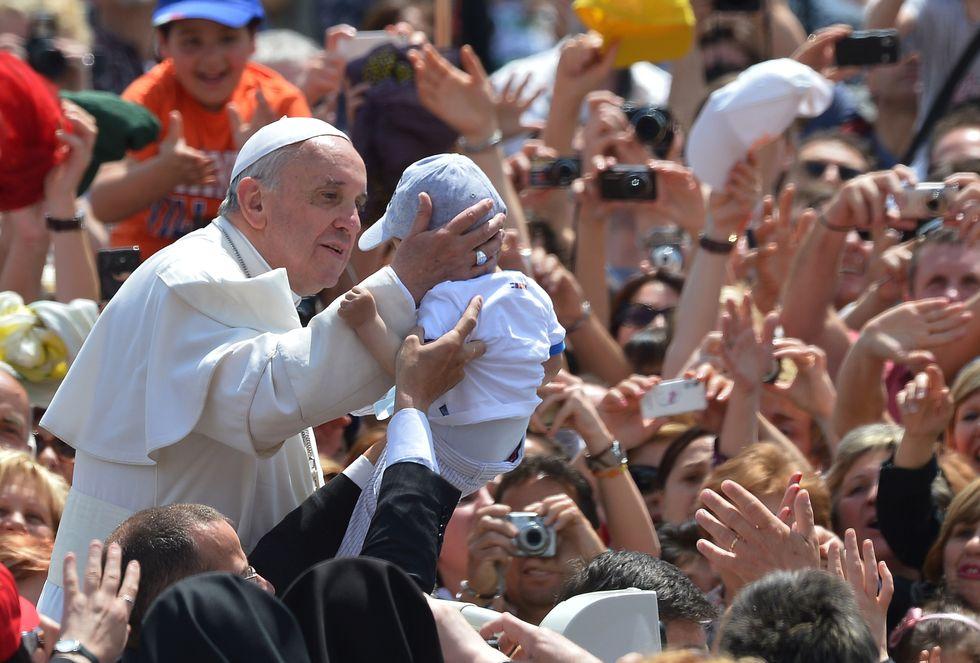 E' argentino il nuovo segretario di Papa Francesco