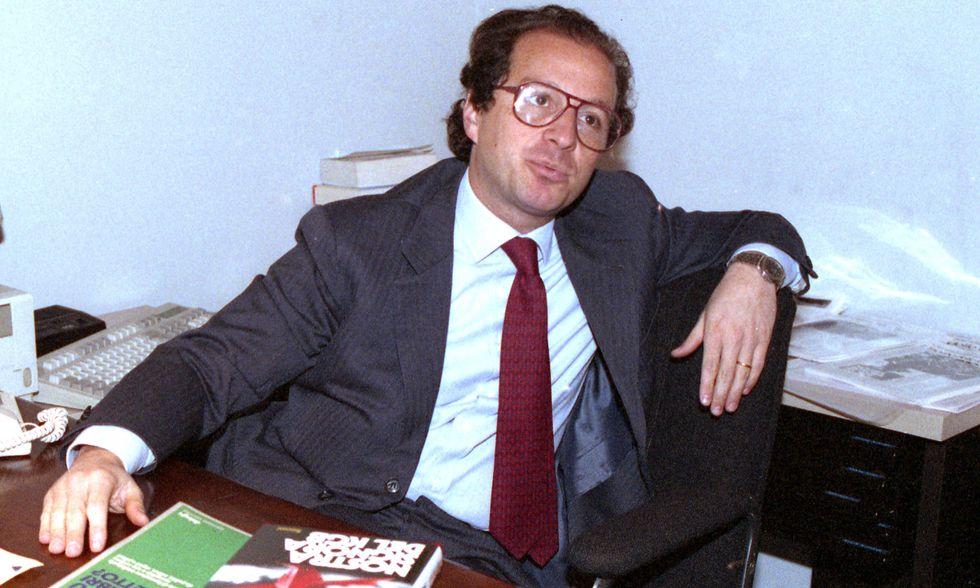 Bisignani, Beppe Grillo e la longa manus degli Stati Uniti