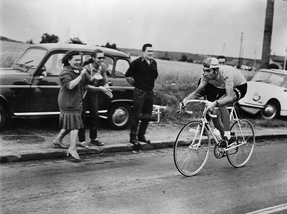 Eddy Merckx al traguardo dei 68 (e quello sprint del '67)