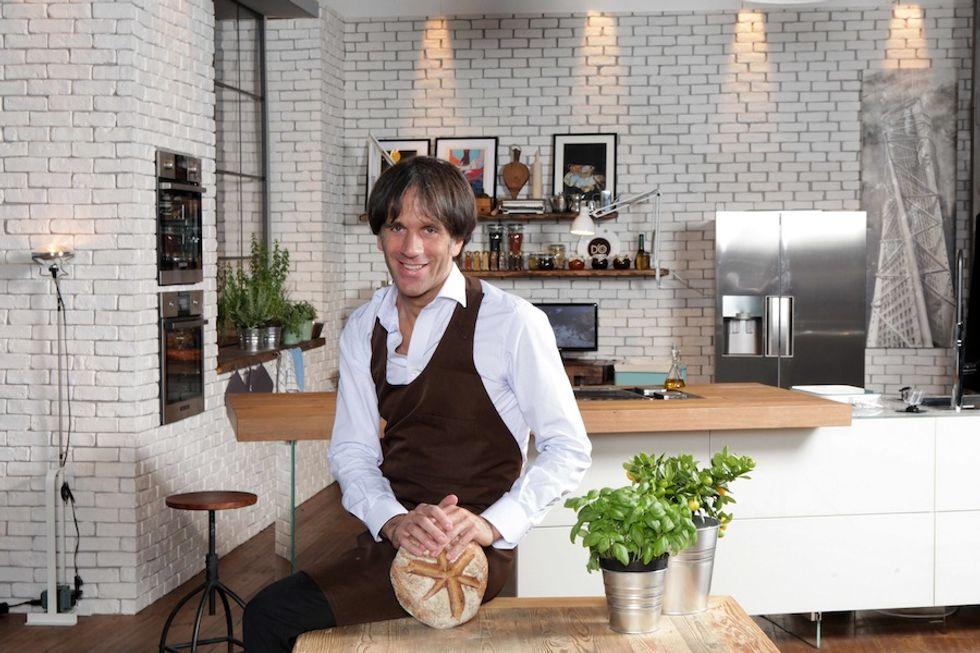 The CooKing, Oldani cucina a sorpresa per tre ospiti vip
