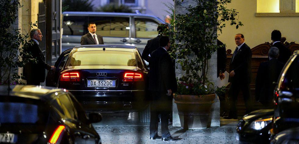 La solidarietà (anonima) del Pd a Berlusconi
