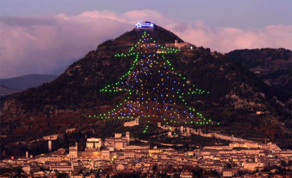 Natale, l'albero più grande del mondo è in Italia