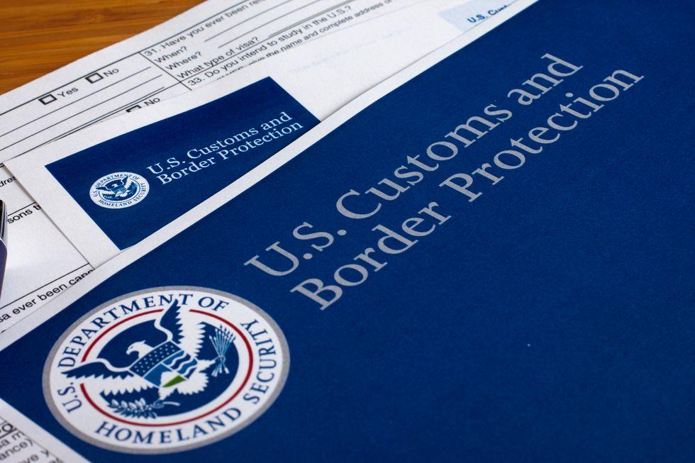 Viaggiare negli USA? Oltre al passaporto serviranno i dati di Facebook