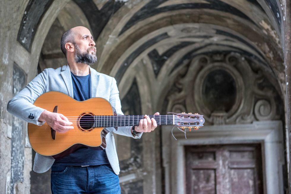 Joe Barbieri: l'urgenza di un abbraccio analogico nell'era della musica digitale