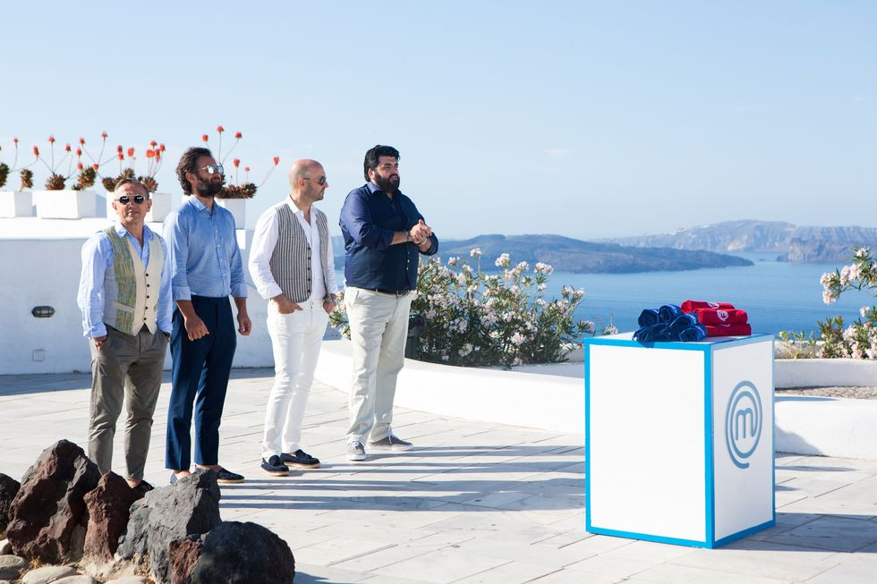 Esterna a Santorini per gli aspiranti cuochi di MasterChef