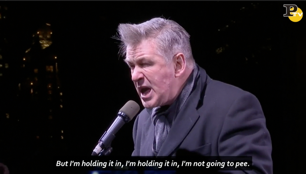 Alec Baldwin imitaz donald trump manifestazione