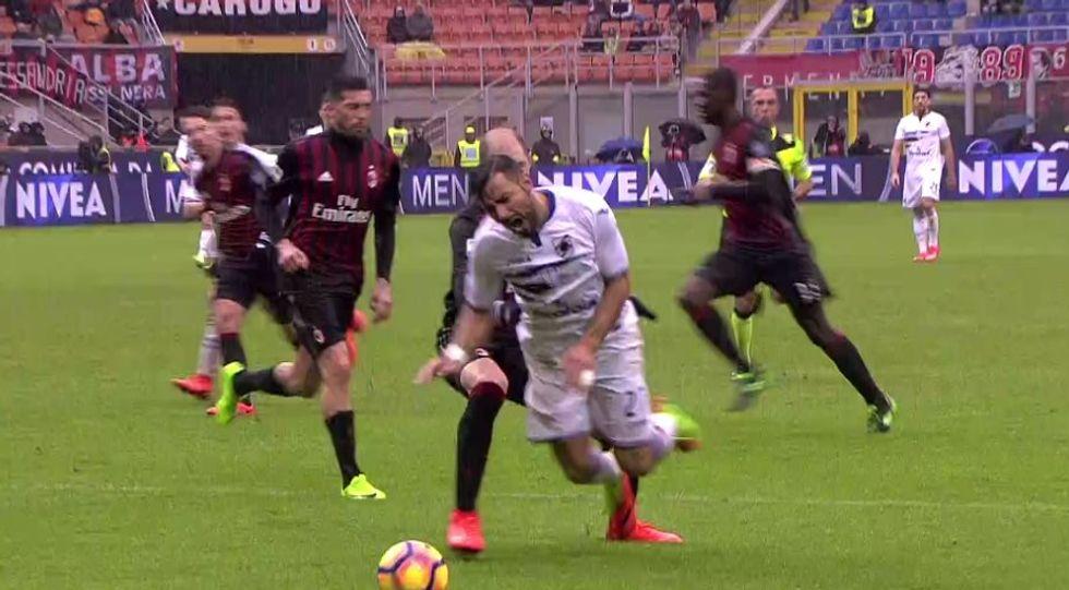 23a giornata, errori arbitrali: Milan, manca un rigore. Juve prima senza favori