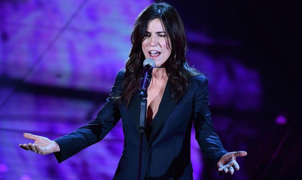 """Paola Turci canta """"Fatti bella per te"""" a Sanremo 2017"""