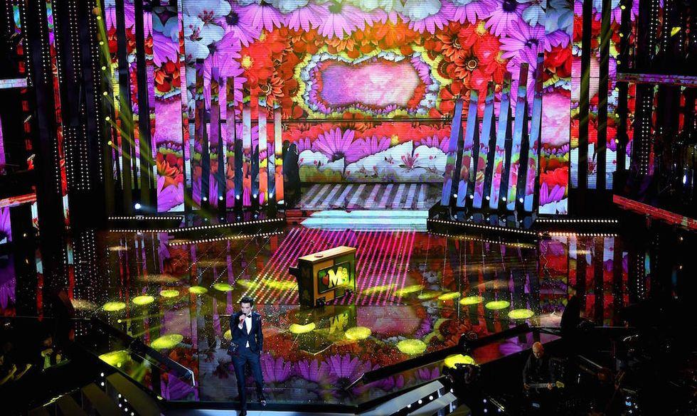 Mika è stato ospite della serata cover di Sanremo 2017
