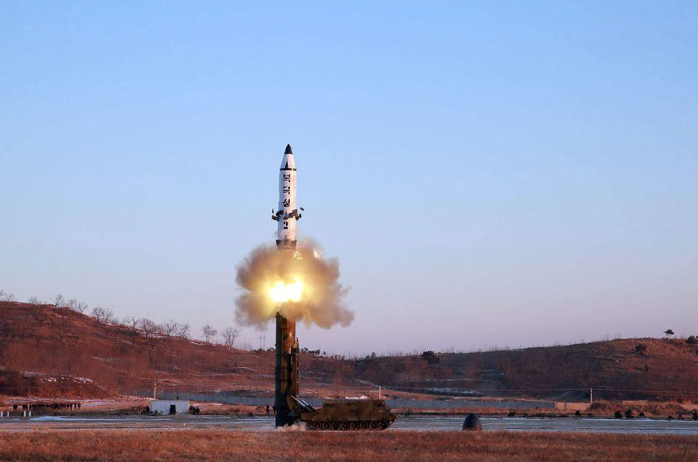 La risposta della Corea del Nord al G7: lanciato un nuovo missile