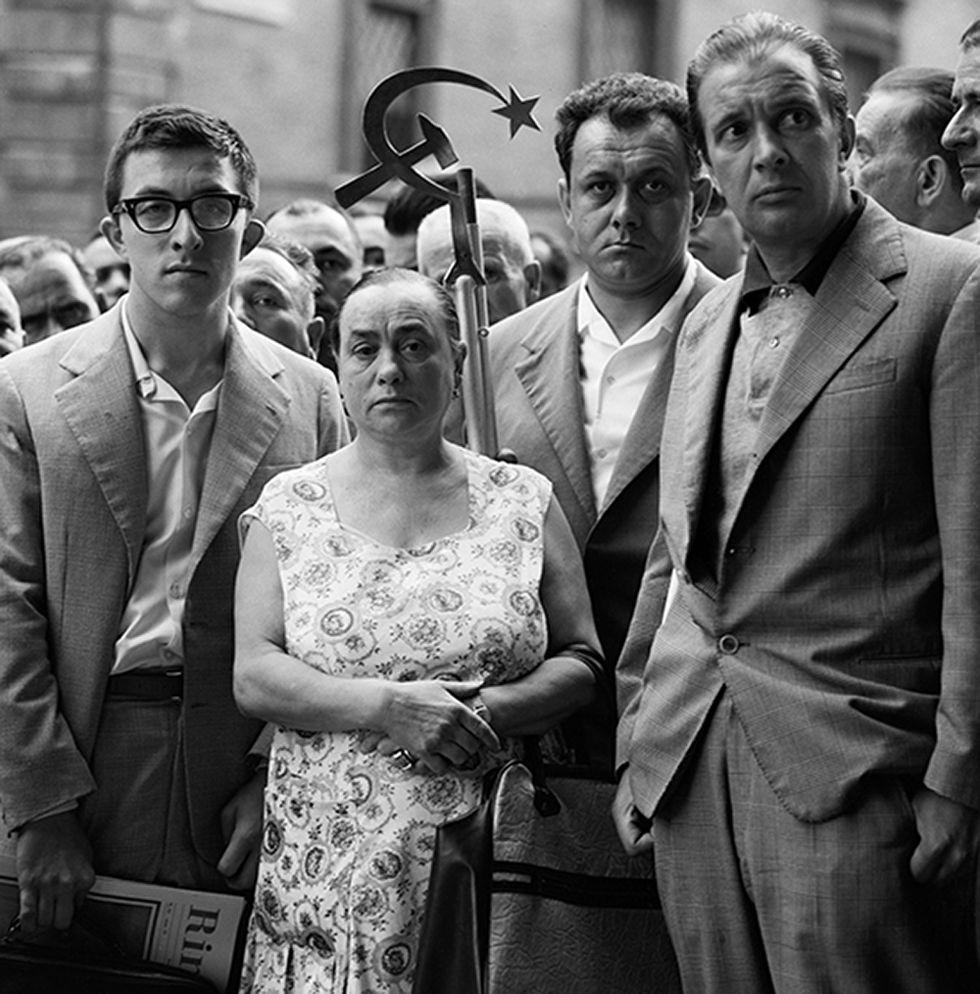 """Quando c'era Togliatti: le foto di Mario Carnicelli ai funerali del """"Migliore"""""""