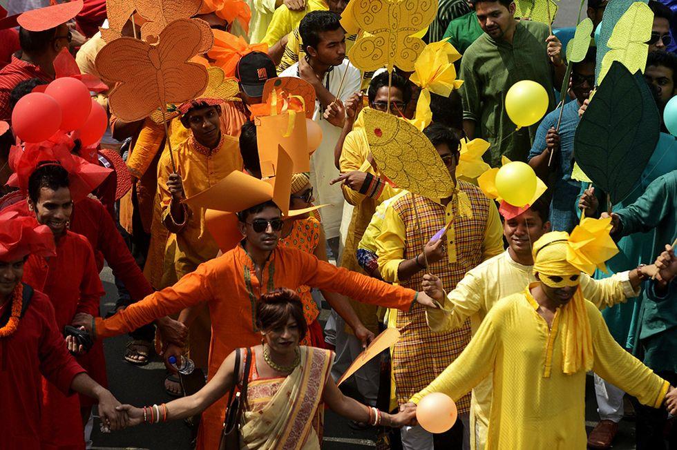 Il capodanno bengalese e altre foto del giorno, 14.04.2014
