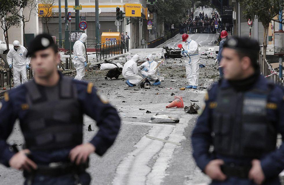 L'autobomba alla Banca centrale di Atene e altre foto del giorno, 10.04.2014