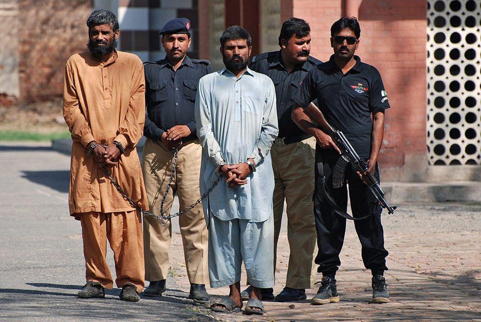 I fratelli cannibali a processo in Pakistan e altre foto del giorno, 09.05.2014