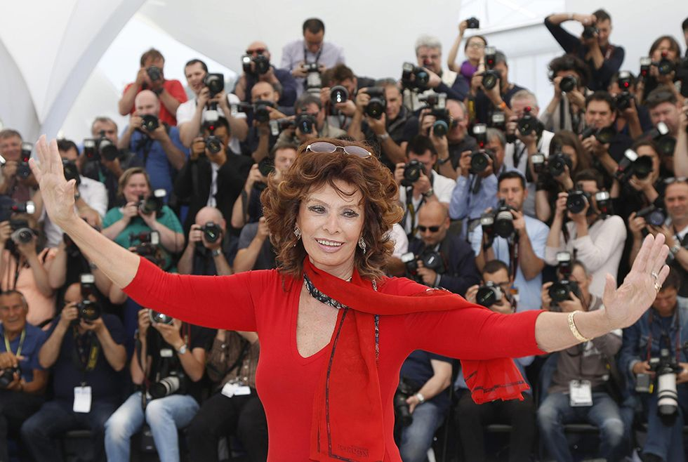 Sophia Loren ospite d'onore a Cannes e altre foto del giorno, 21.05.2014