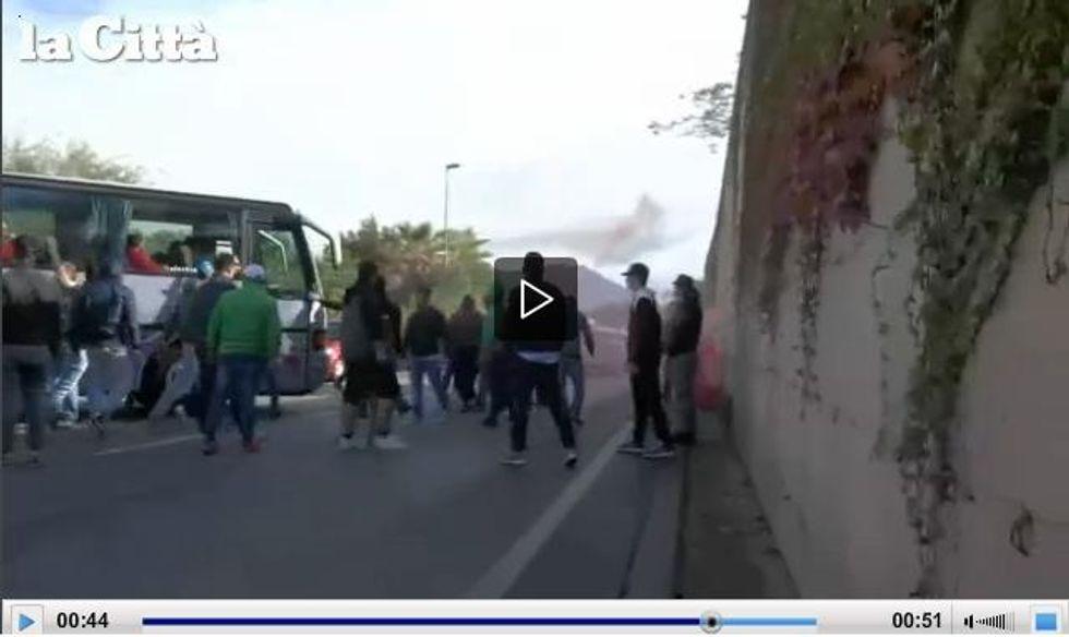 Follia ultras, derby sospeso per minacce di morte