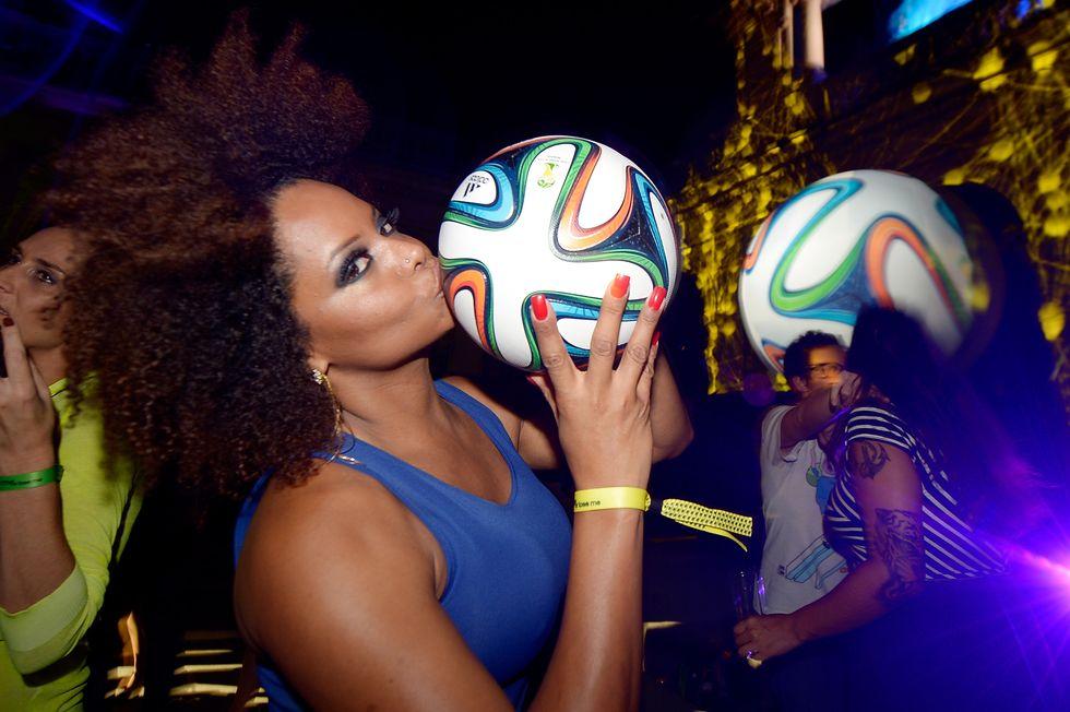 Presentato Brazuca, il pallone dei Mondiali