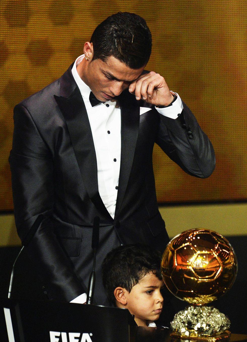 Le lacrime di Cristiano Ronaldo commuovono il mondo - FOTO