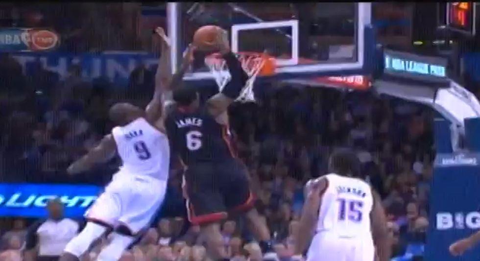 LeBron James: 33 punti e naso ko