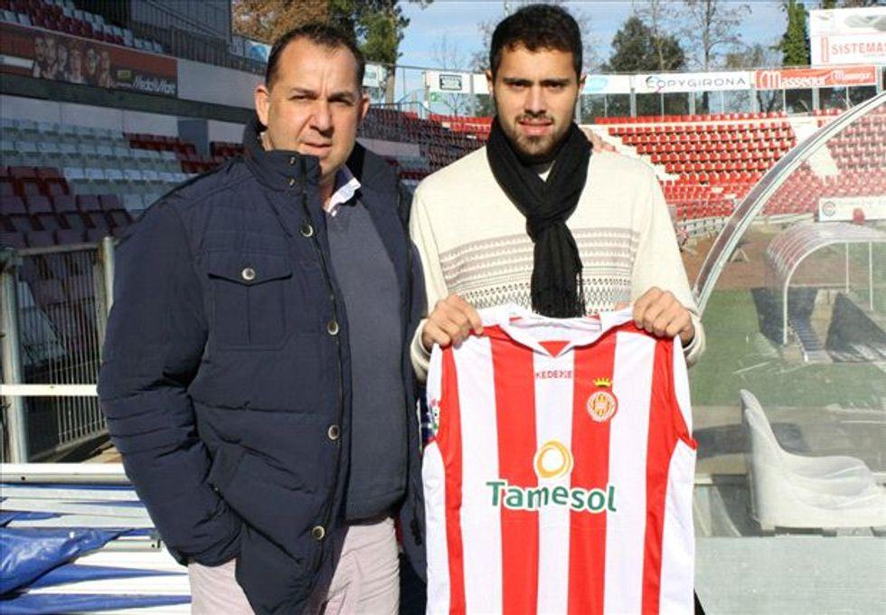Pascual: il calciatore ingaggiato tramite i social network