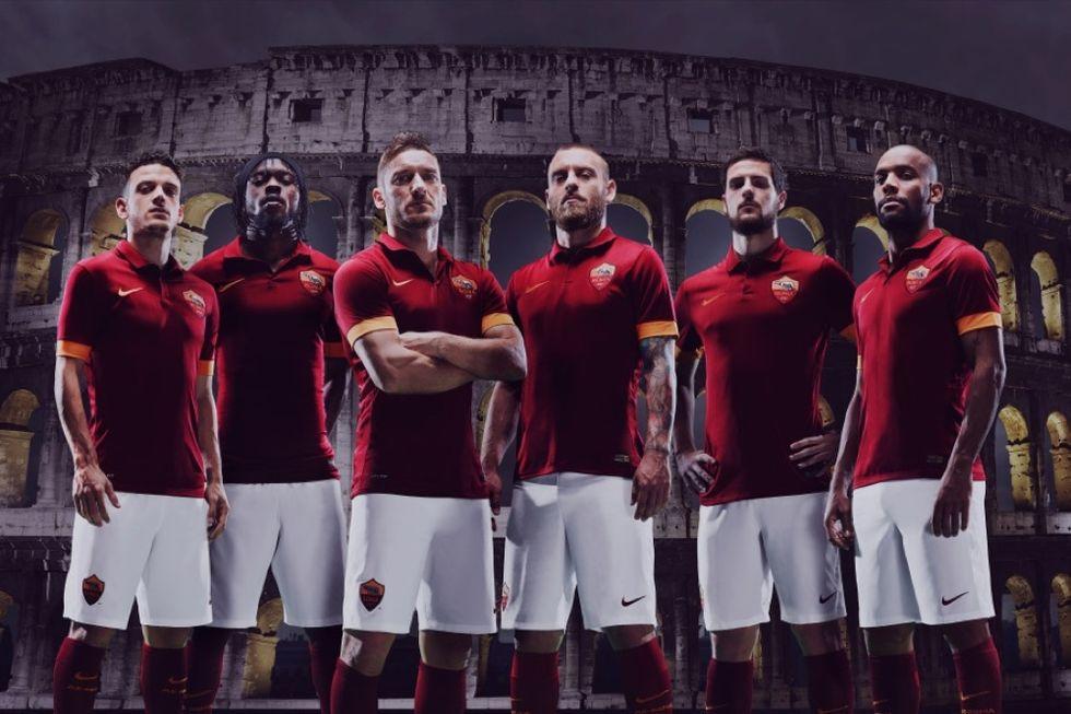 La nuova maglia della Roma
