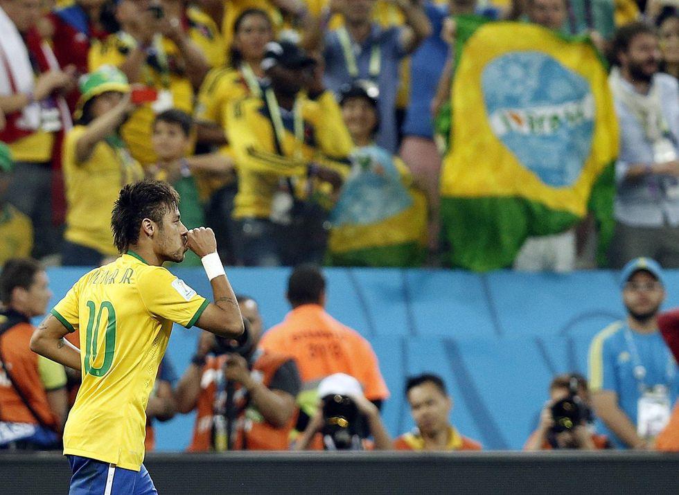 Neymar e aiutino: Brasile, buona la prima