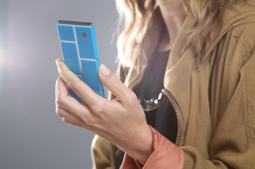 Motorola lavora al cellulare componibile che non invecchia mai