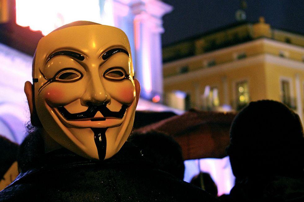 Anonymous attacca la Regione Calabria