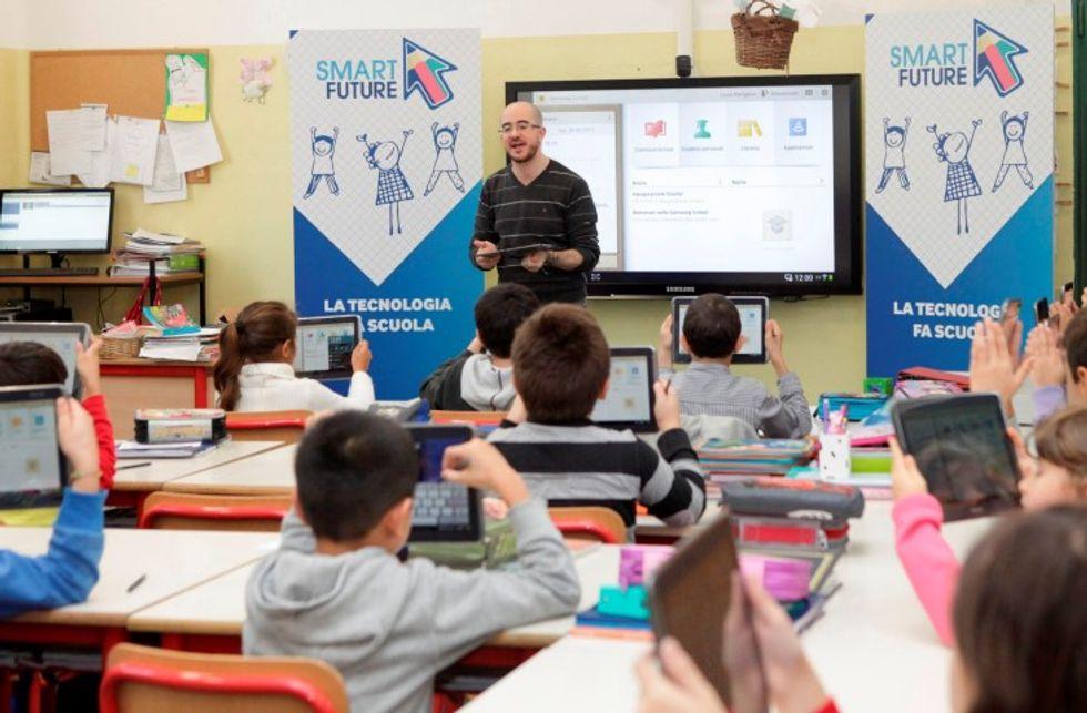 Dai quaderni al tablet: alla scoperta della prima scuola smart d'Italia