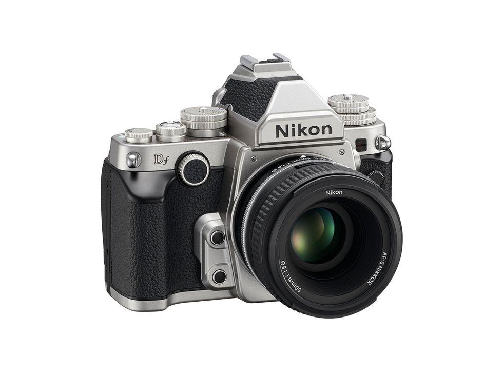 Nikon DF, una full-frame d'altri tempi