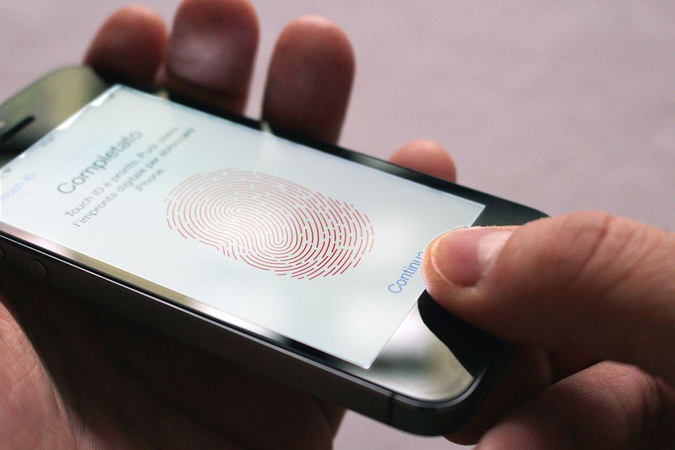 Cinque regole d'oro per proteggere il tuo smartphone dai ladri