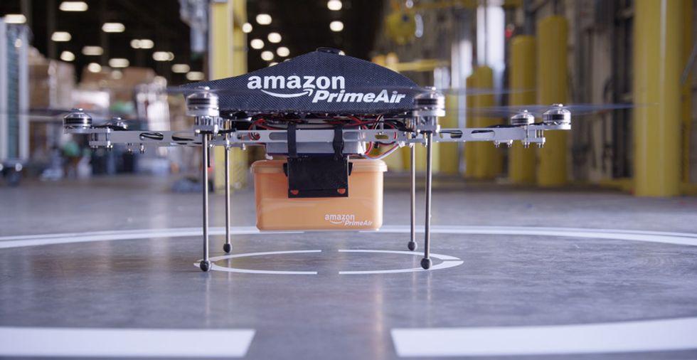 Amazon: i droni consegneranno i pacchi di Natale