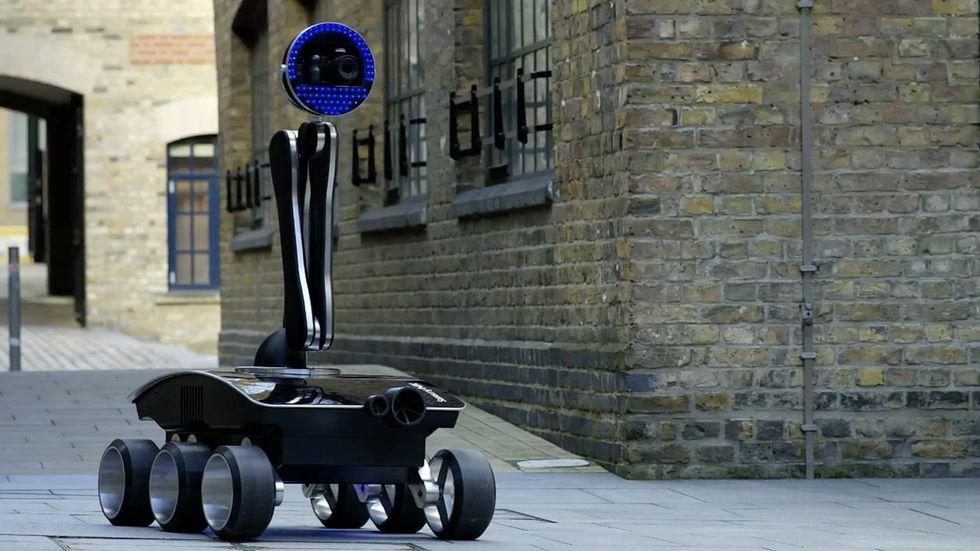 Samsung NX Rover: come fotografare il mondo dal divano di casa