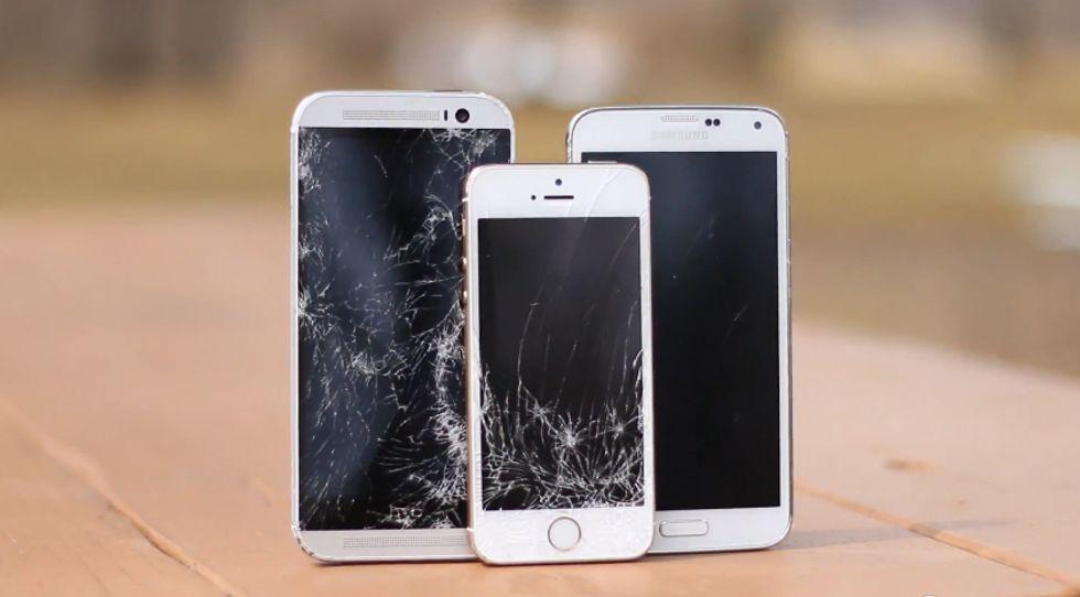 Apple iPhone 5s Vs Samsung Galaxy S5 Vs HTC One M8: chi resiste di più?