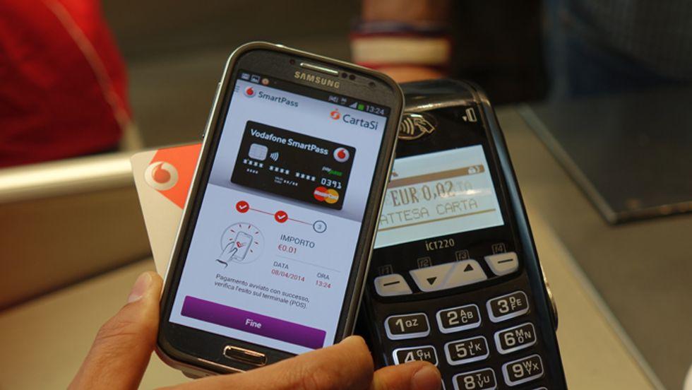 Vodafone lancia i pagamenti NFC: ecco cosa serve per pagare con lo smartphone