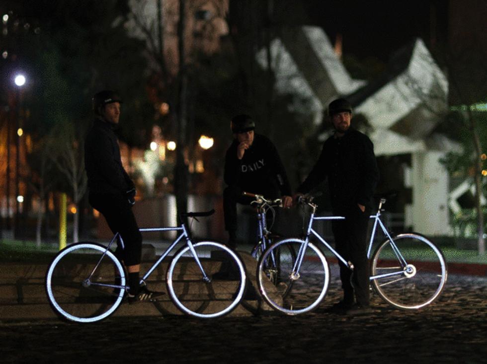 Lumen, la bici che s'illumina di notte