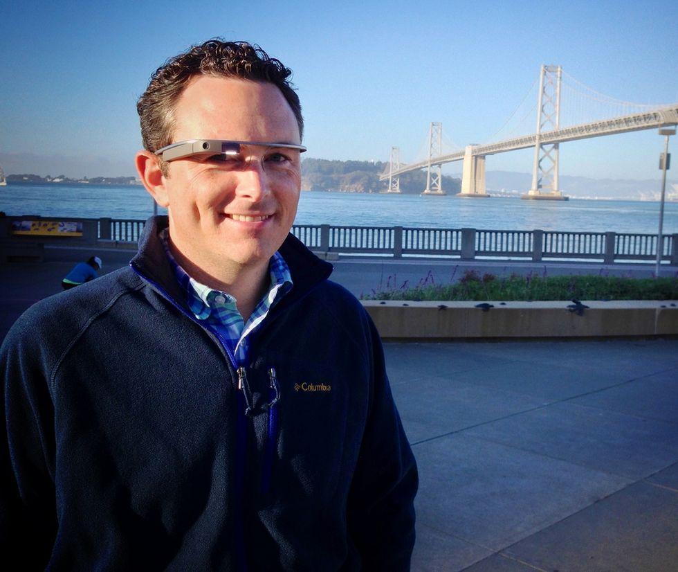 Google Glass flirta con l'iPhone. Via libera agli SMS da iOS