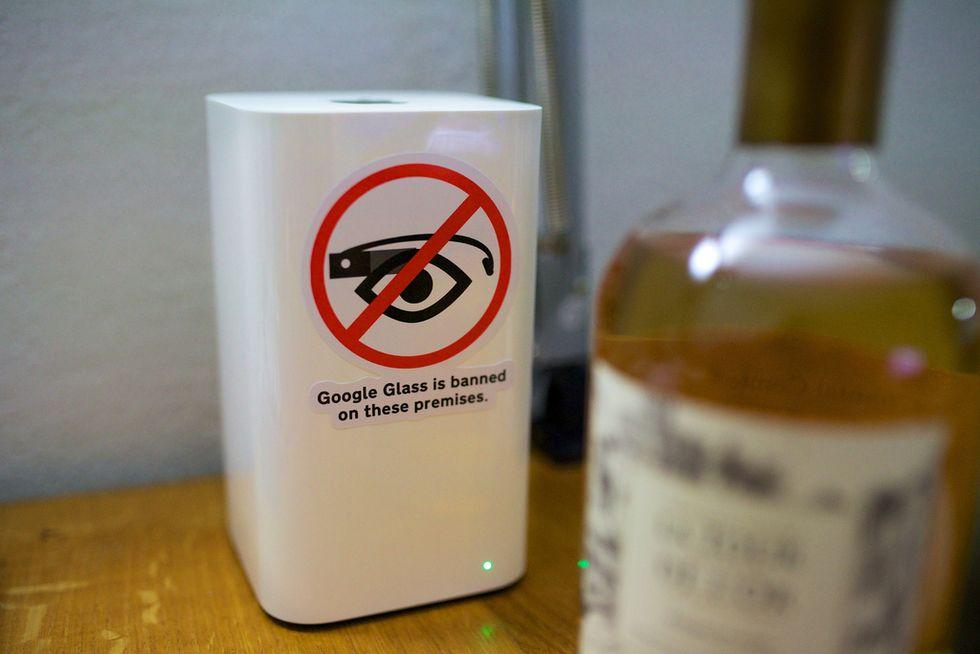 Ecco perché chi porta i Google Glass è il nuovo appestato