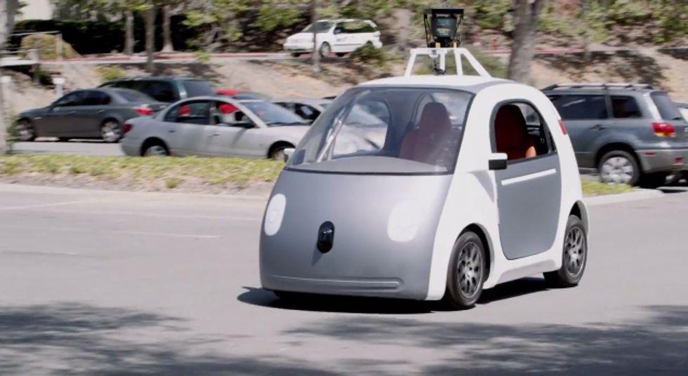 Google: ecco il primo prototipo della macchina che si guida da sola