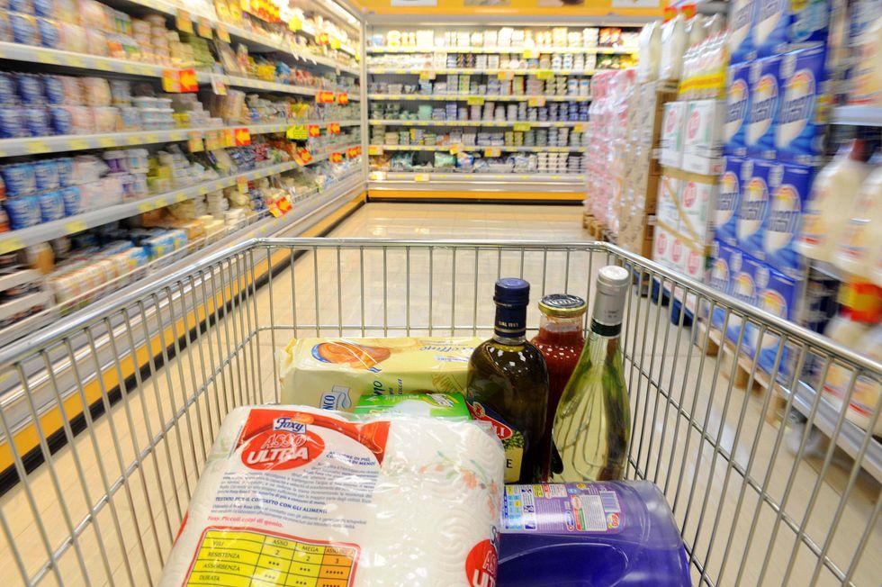 Crollo dei consumi: i prodotti che non compriamo più
