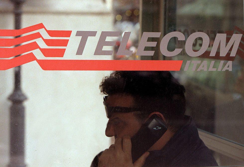 Telecom Italia, che succede se il debito è spazzatura