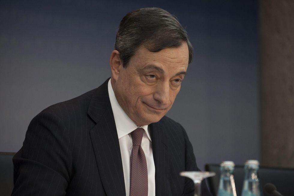 Deflazione in Europa, cosa può fare Draghi per fermarla