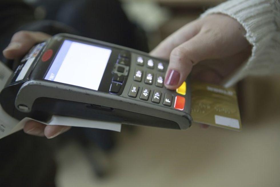 Pagamenti con il bancomat: cosa si può fare e cosa no