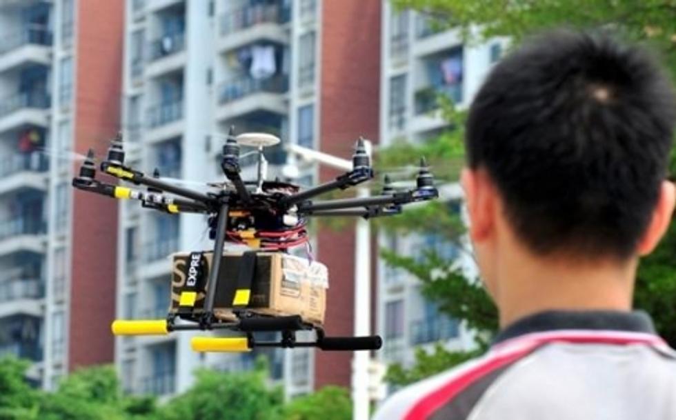 Il drone portapacchi