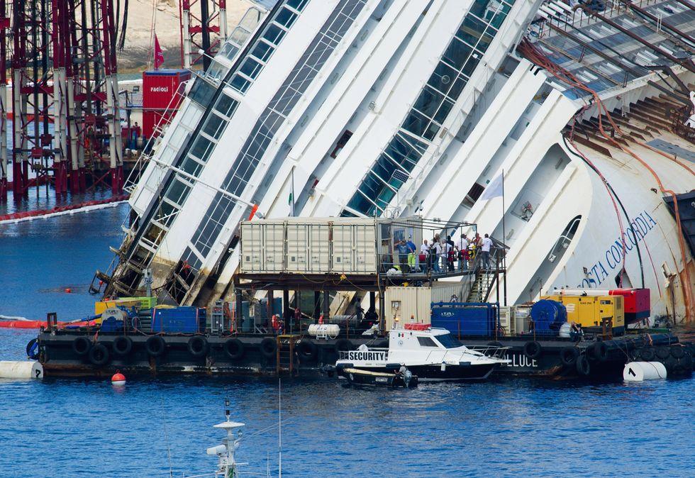 Costa Concordia: il recupero prosegue